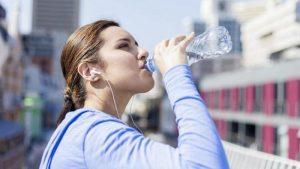 minum air yang banyak sangat baik untuk kesehatan tubuh kita